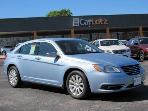 2014 Chrysler 200 Limited Front Wheel Drive Sedan