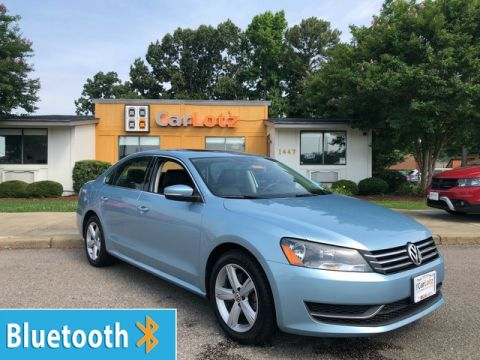 Pre-Owned 2013 Volkswagen Passat SE w/Sunroof