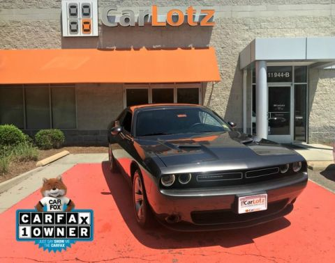Pre-Owned 2015 Dodge Challenger SXT