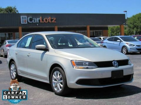 Pre-Owned 2011 Volkswagen Jetta Sedan SE PZEV