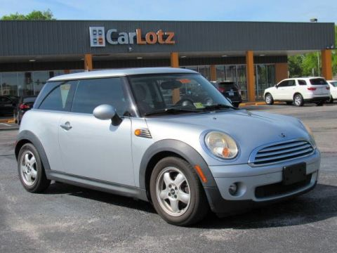 2009 MINI Cooper Hardtop  Front Wheel Drive Coupe
