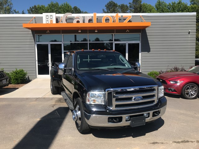 Pre-Owned 2006 Ford Super Duty F-350 DRW Lariat