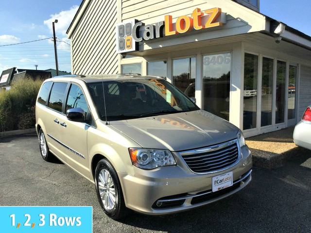 Pre-Owned 2013 Chrysler Town & Country Limited