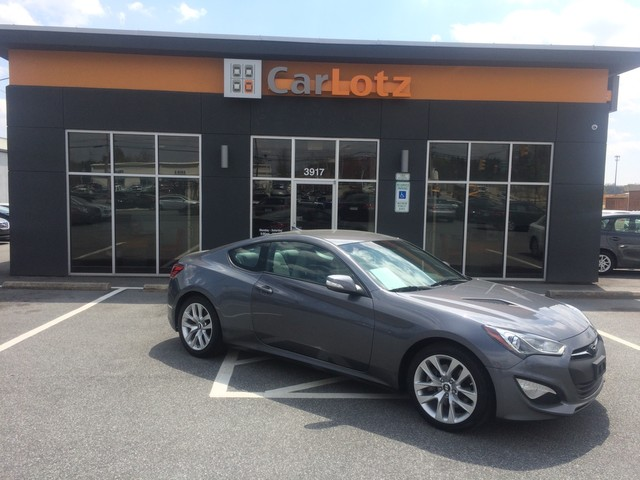 Pre-Owned 2015 Hyundai Genesis Coupe 3.8L Base