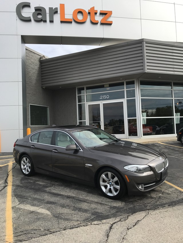 Pre-Owned 2011 BMW 5 Series 550i xDrive