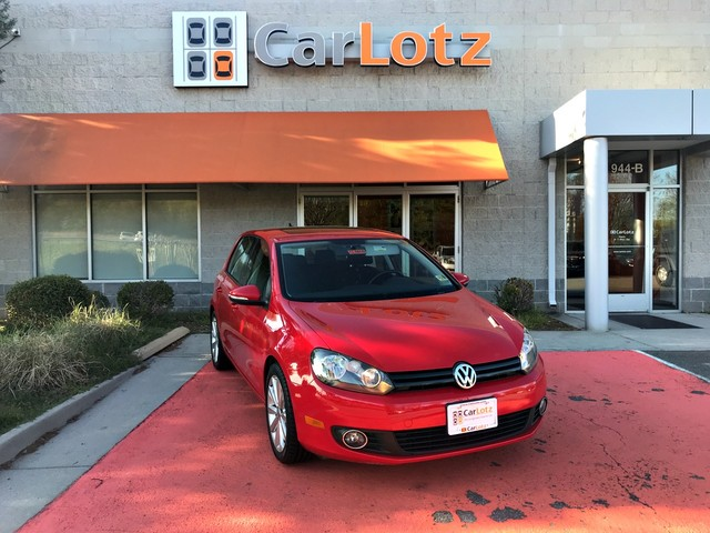 Pre-Owned 2013 Volkswagen Golf TDI w/Sunroof & Nav